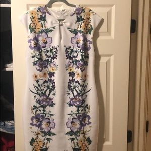 White floral knot front cal sleeve dress in scuba
